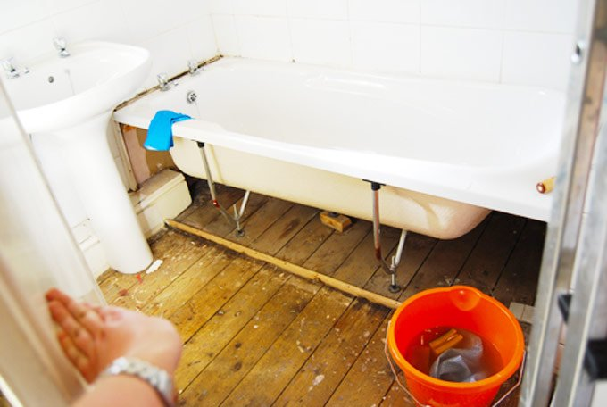 How To Remove The Smell Of Urine From Wooden Floorboards - Urine smell in bathroom