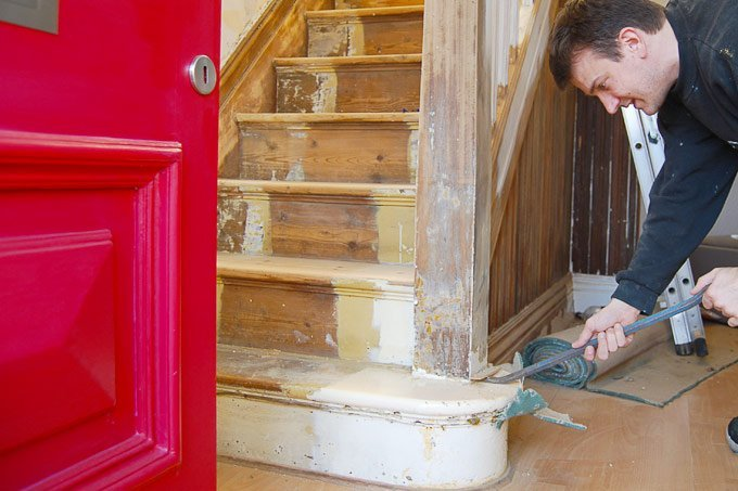 Edwardian Staircase Restoration - Removing Carpet From Staircase - Little House On The Corner