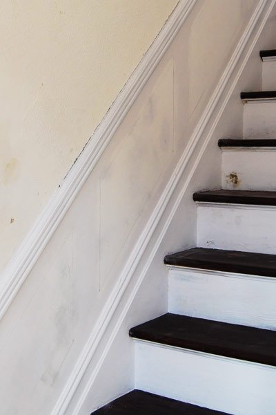 staircase with dado rail