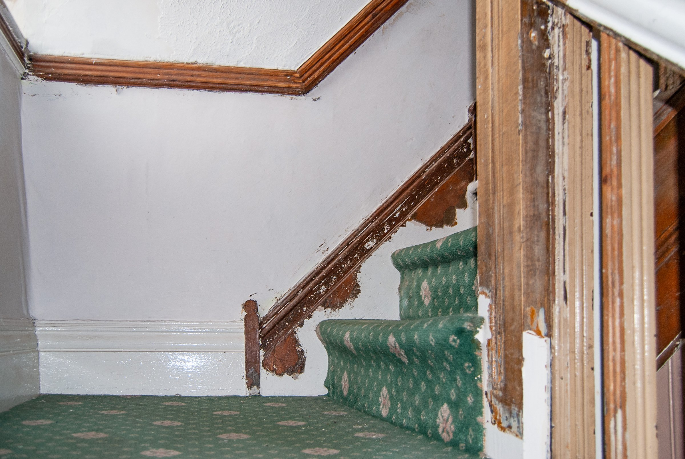 Staircase Halflanding Before Restoration