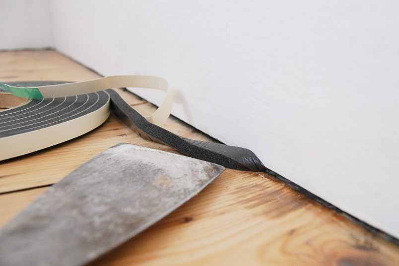 How To Fill The Gap Between The Skirting Board and Floor