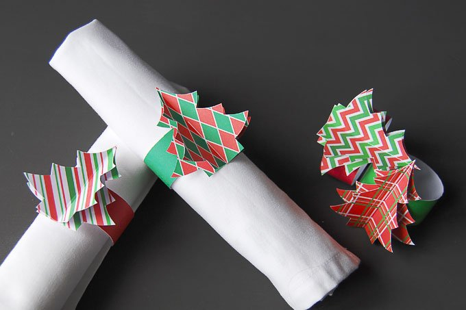 picture relating to Printable Napkin Rings Template identify Do it yourself Xmas Napkin Rings (Free of charge Printable)
