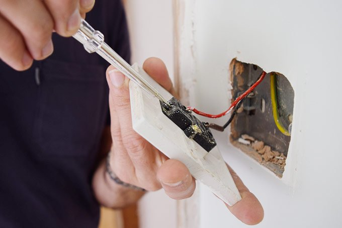 Removing Cables Old Socket
