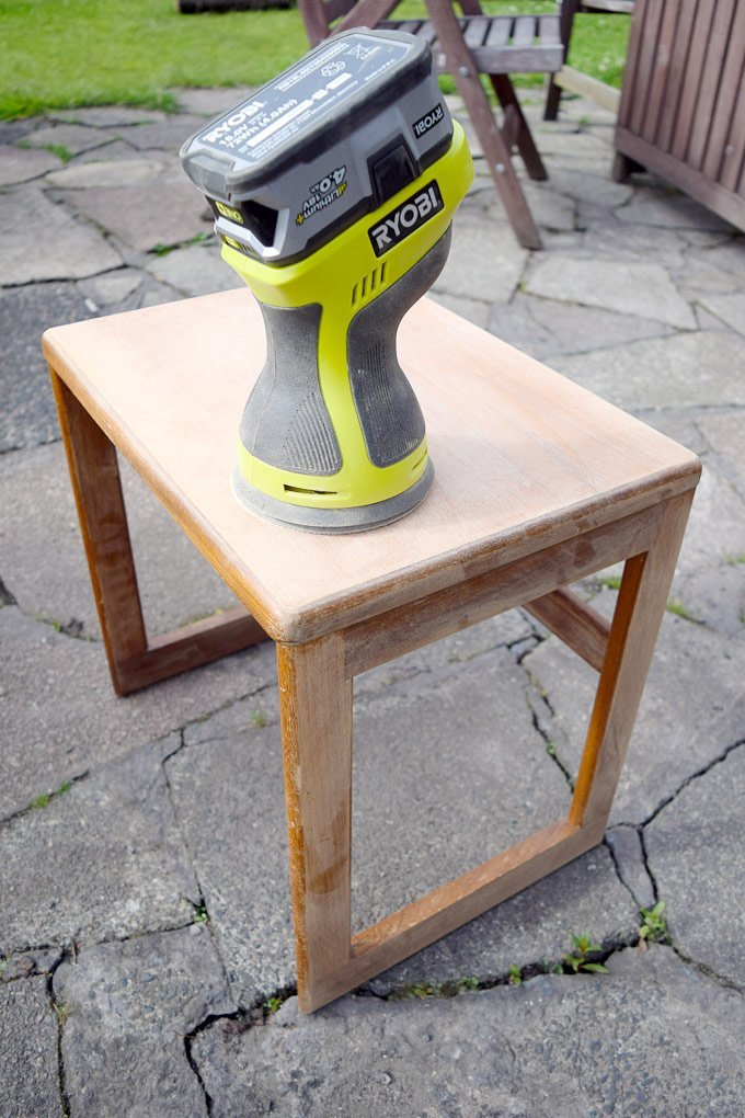 Easy 7 Step Guide on How To Paint Wood Furniture
