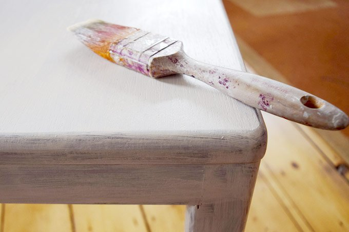 7 Step Guide On How To Paint Wood Furniture