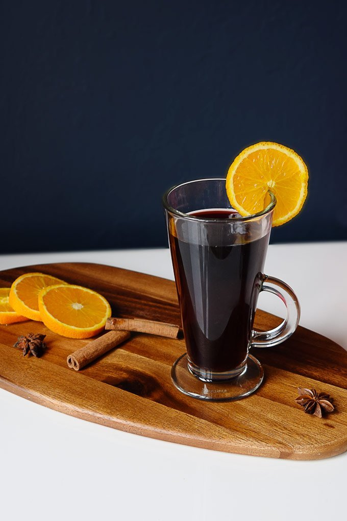 The best mulled wine recipe! (click through for all the details)