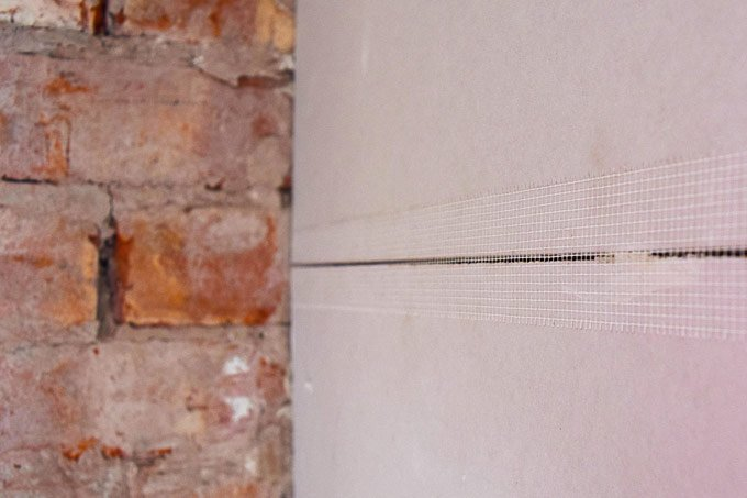 How To Dryline A Wall