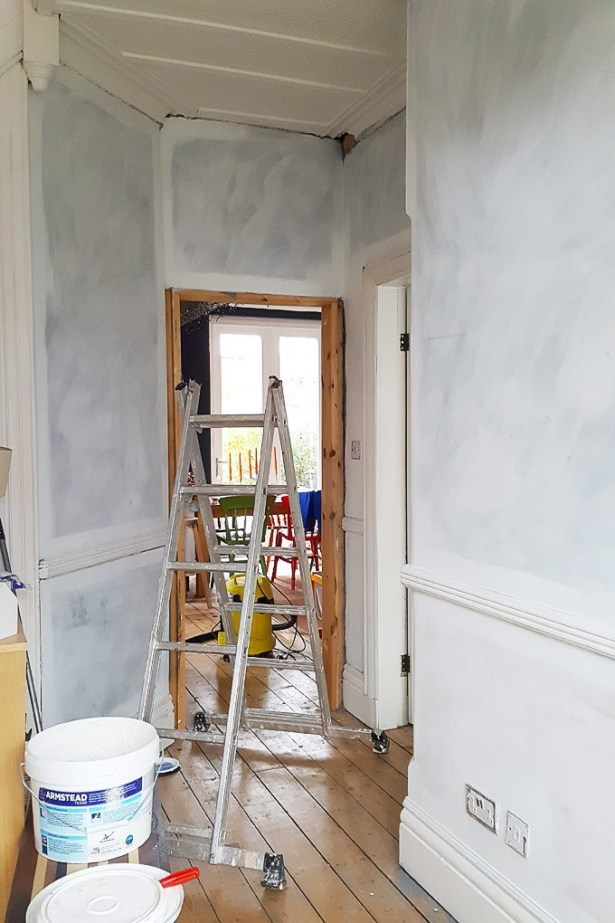 Priming Newly Plastered Walls