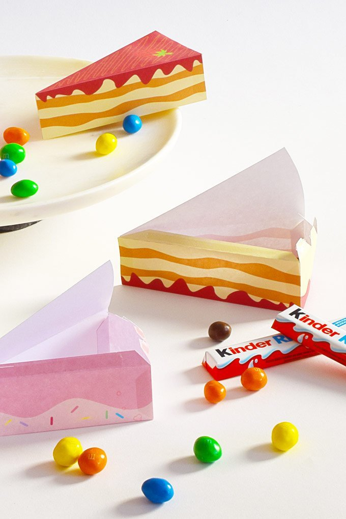 DIY Cake Gift Box - Free Printable - Filling With Treats - Little House On The Corner