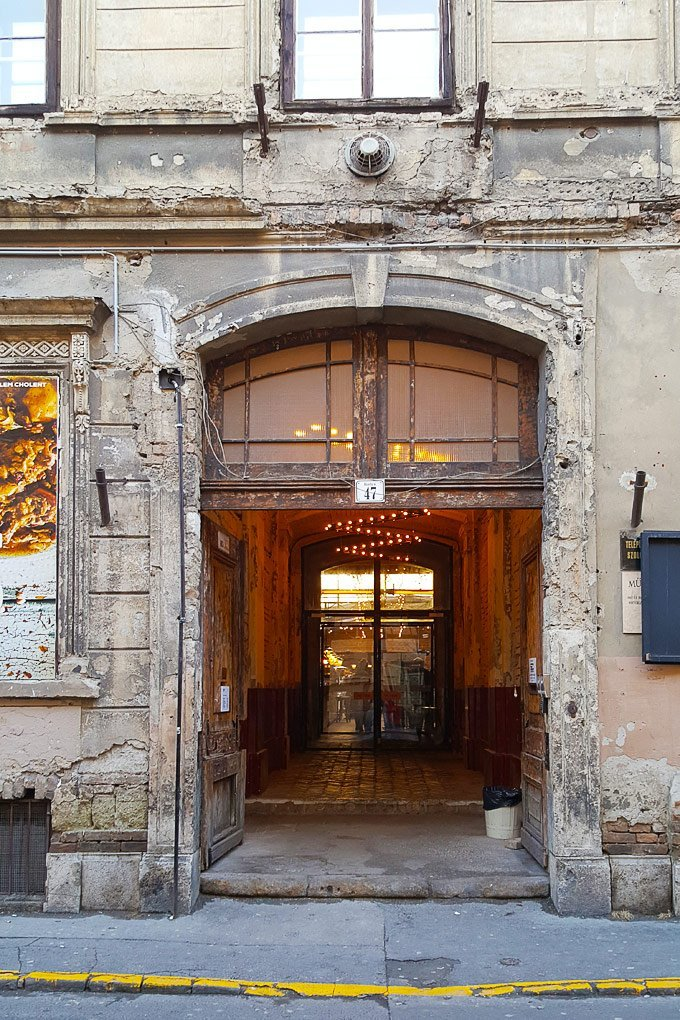 Mazel Tov Entrance Budapest