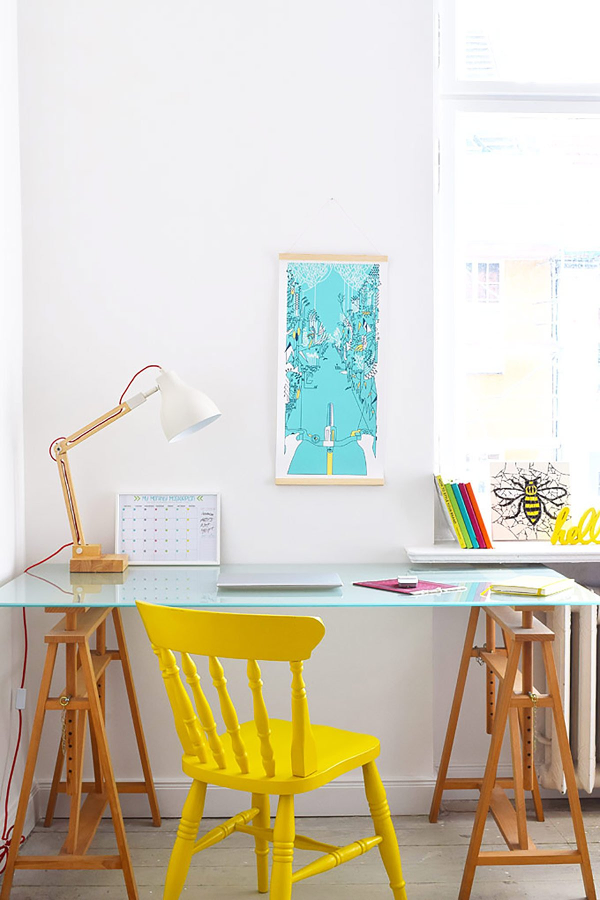 5 Tips For Creating A Motivational Home Office - The Desk - Little House On The Corner