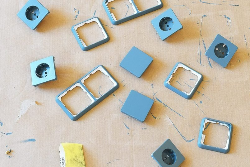 How To Paint Light Switches & Sockets