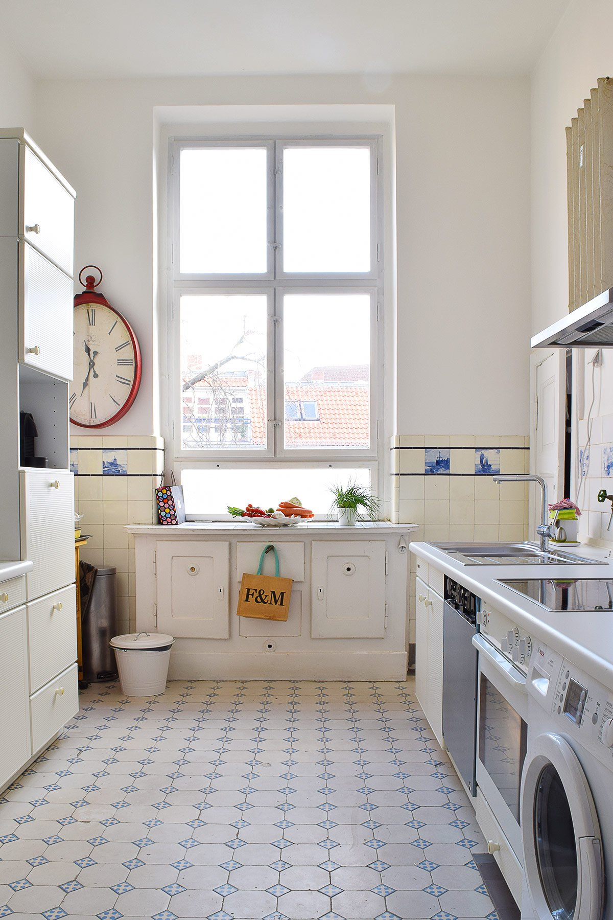 Kitchen Before   Little House On The Corner