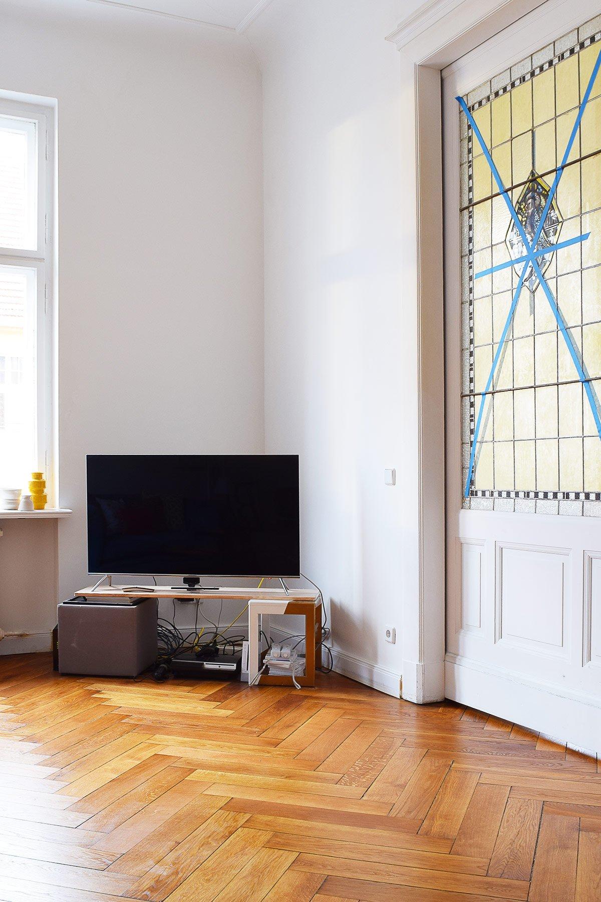 TV Corner Of Shame | Little House On The Corner