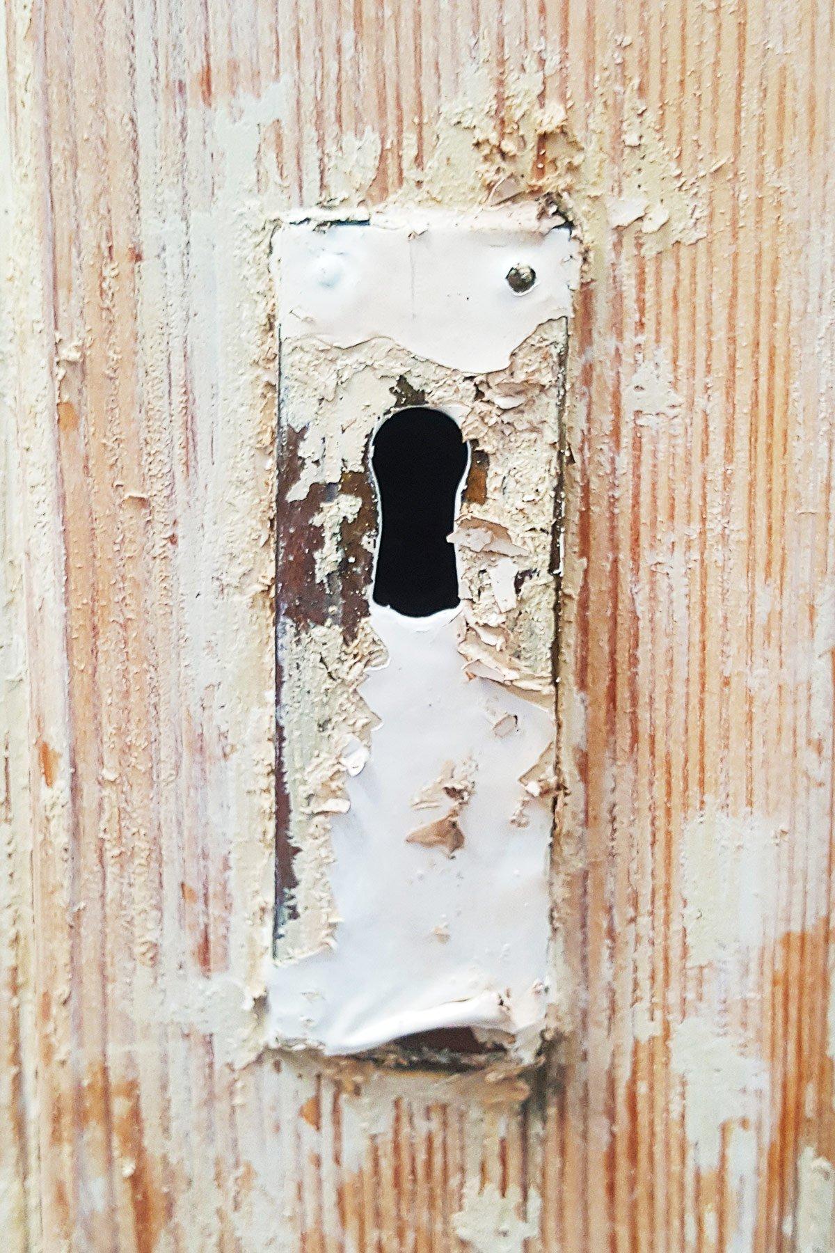 Antique Fridge - Brass Plate Before | Little House On The Corner