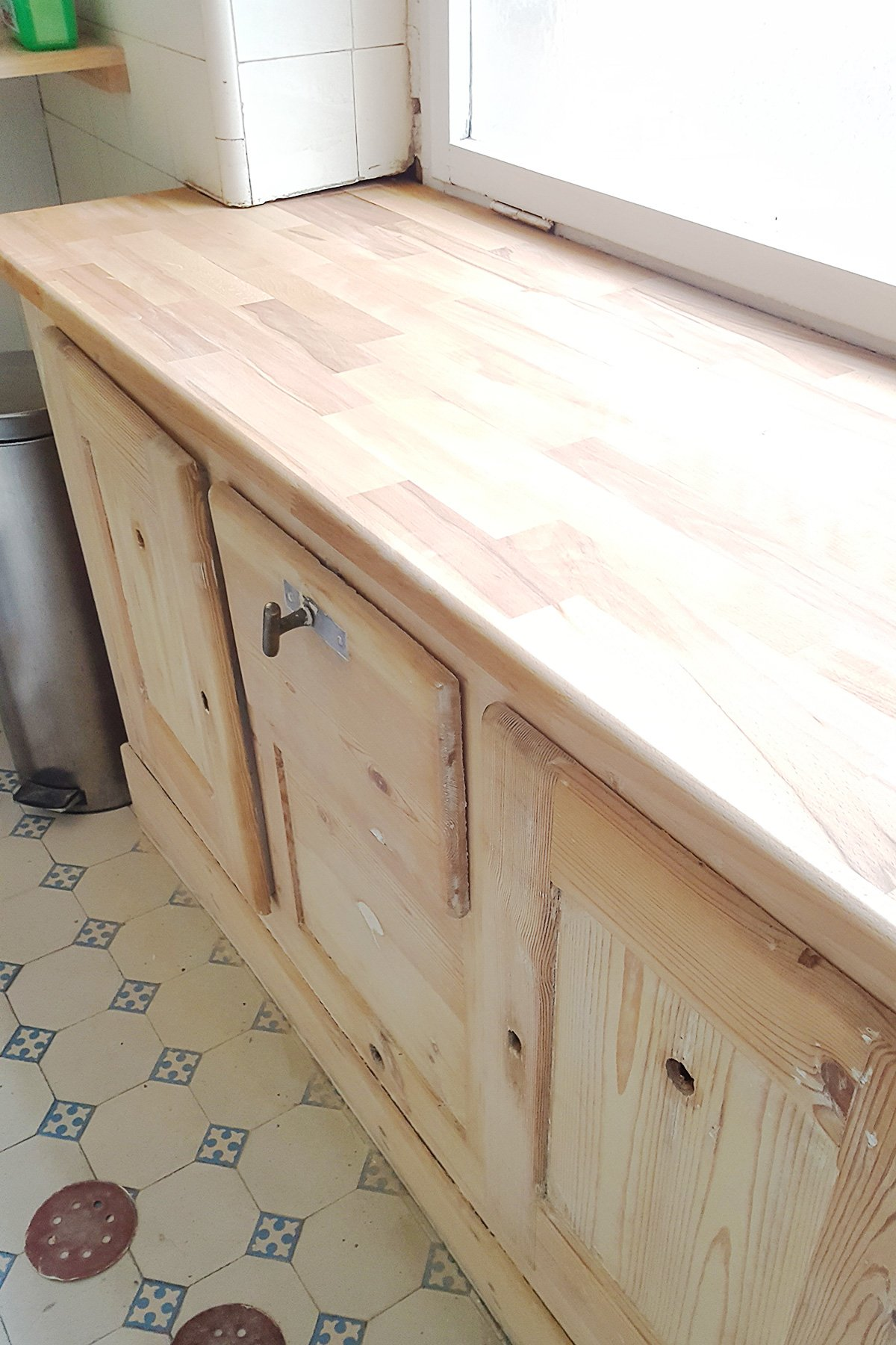 Antique Fridge - New Countertop | Little House On The Corner