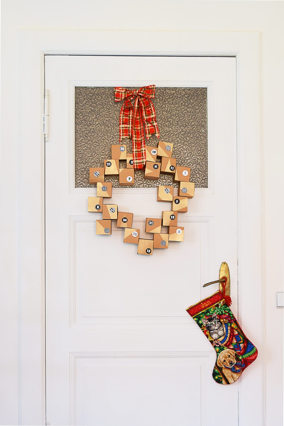 Diy Advent Calendar Wreath : Diy advent calendar wreath a free printable little