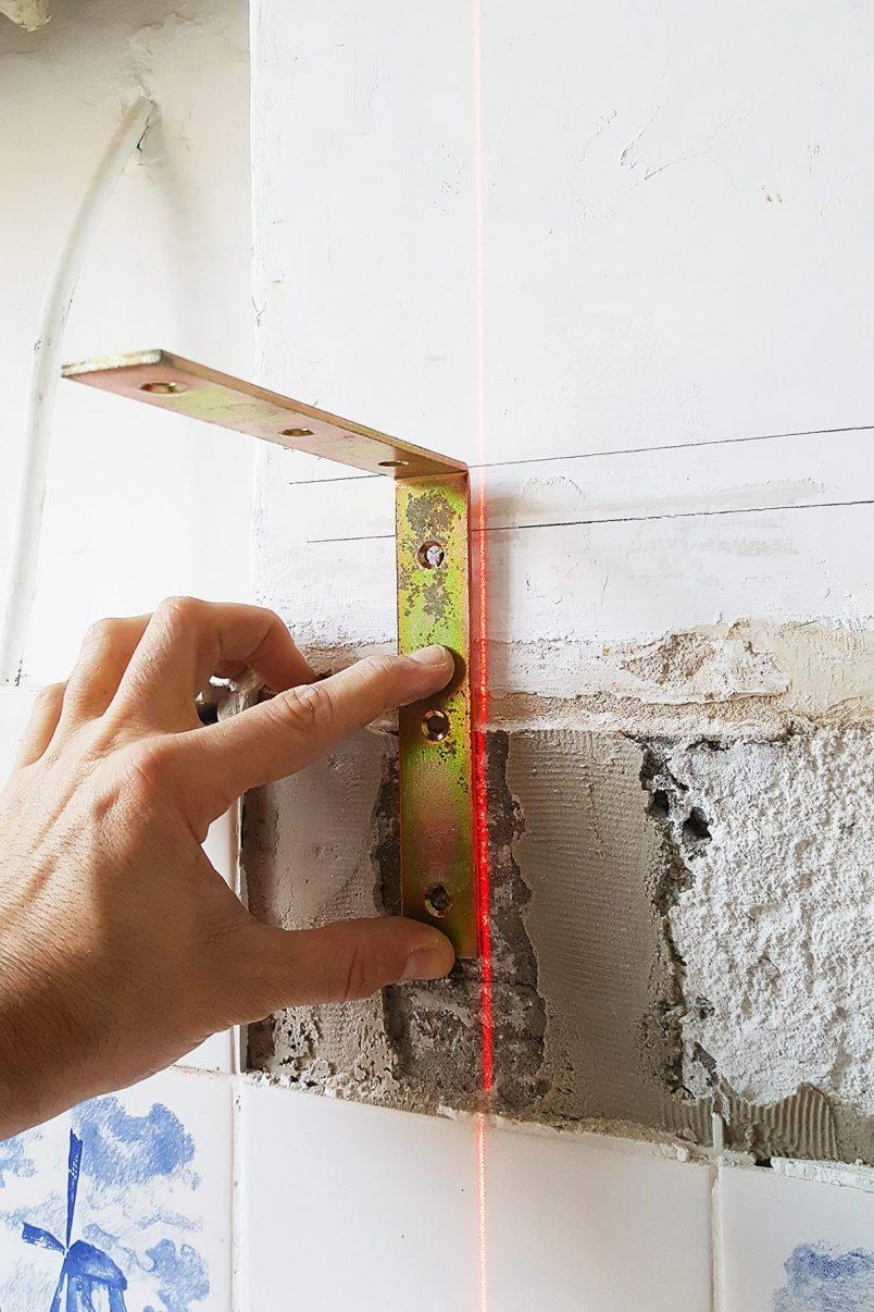 DIY Slim Floating Shelves | Attach Brackets | Little House On The Corner