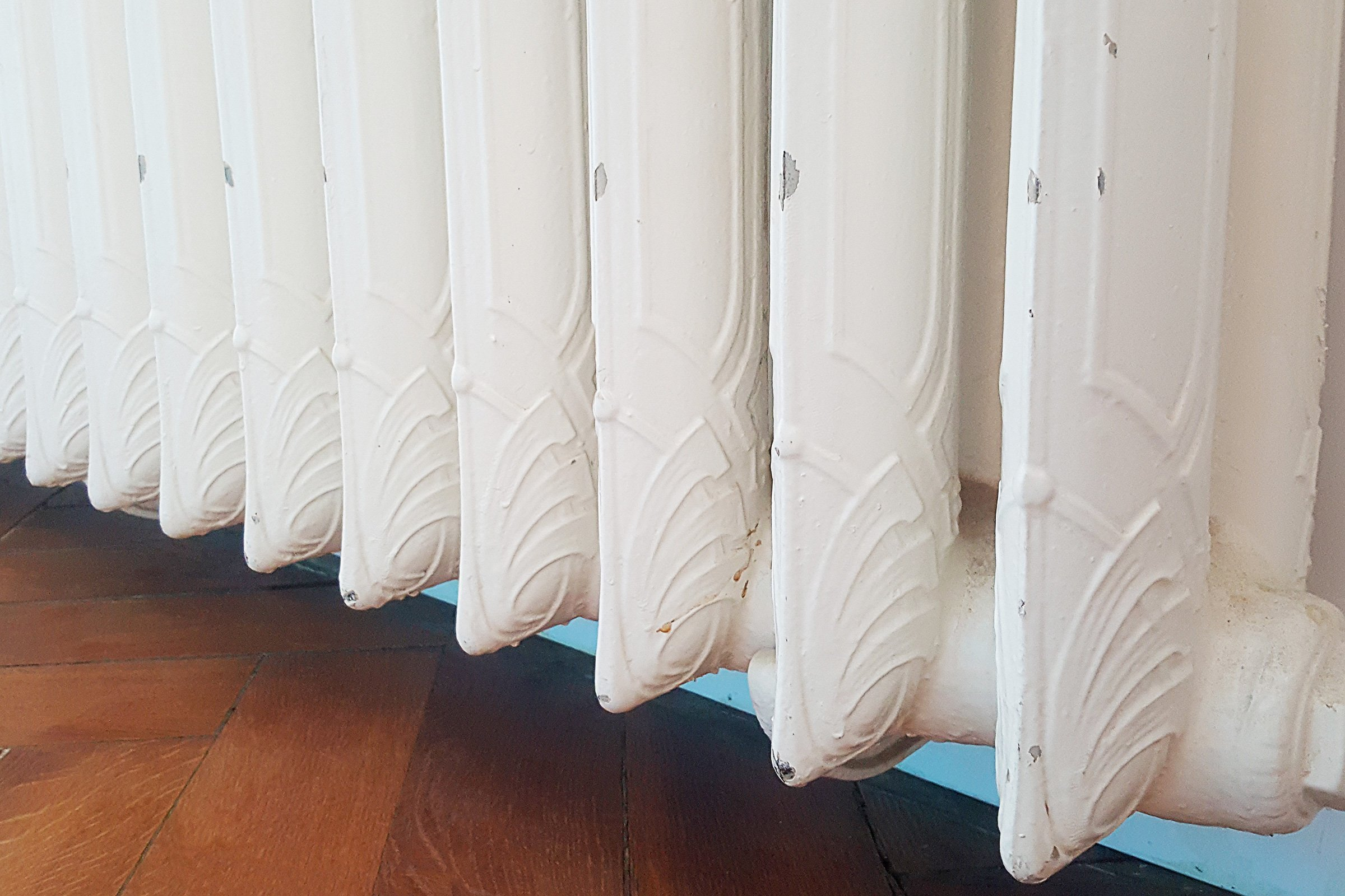 How To Paint A Radiator | Little House On The Corner