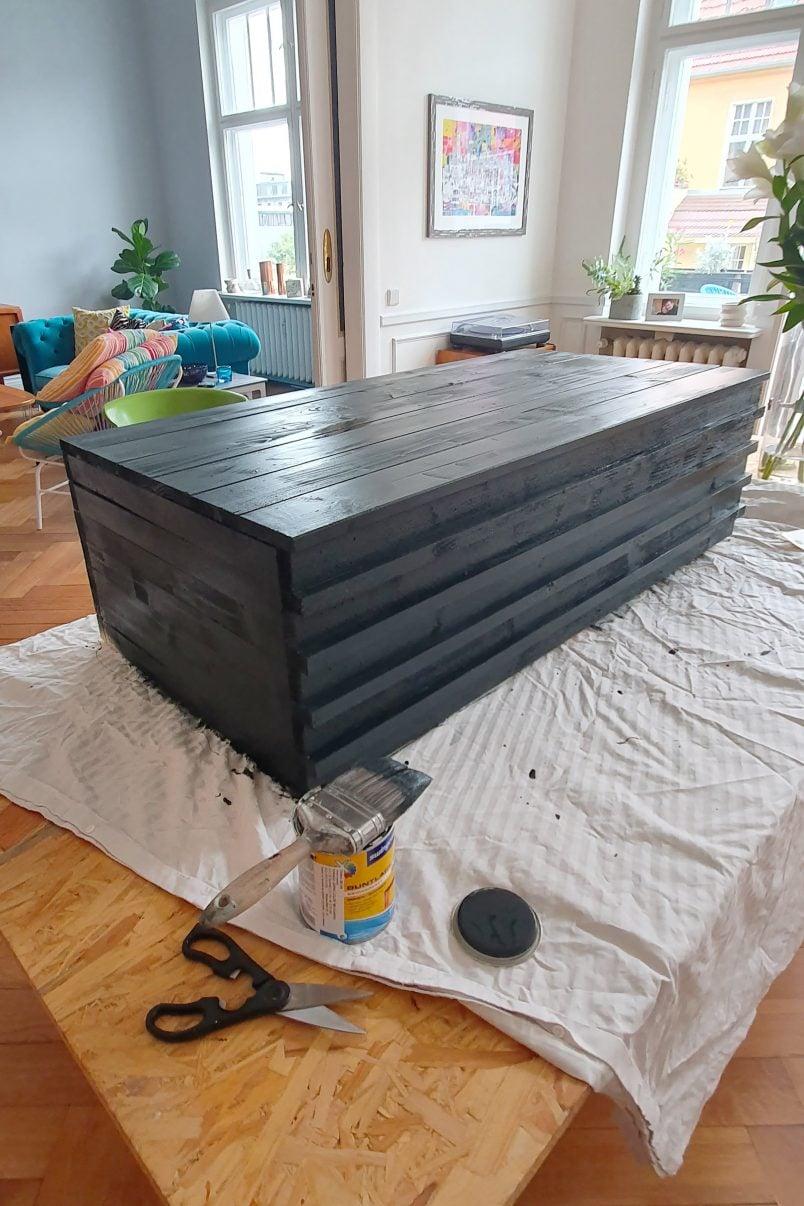 DIY Garden Bench With Hidden Storage - Painting | Little House On The Corner