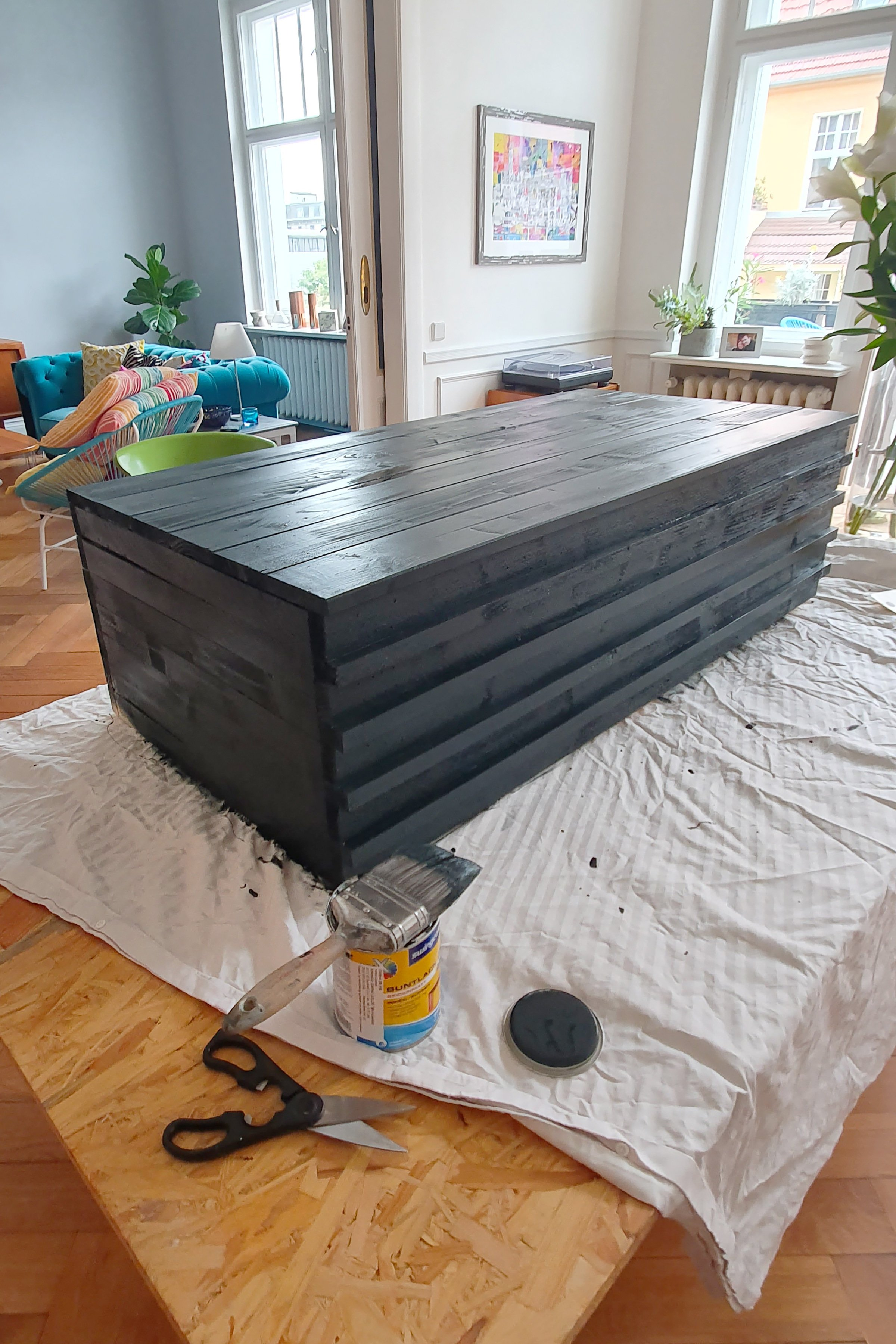 DIY Garden Bench With Hidden Storage - Painting | Little House On The Corner