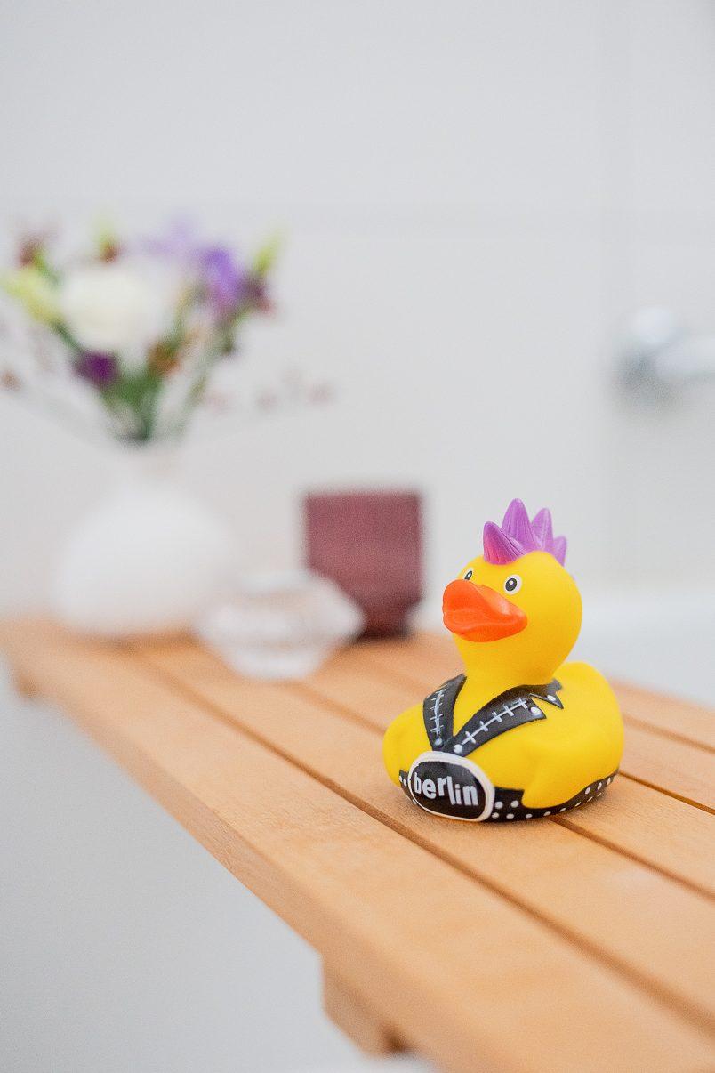 Bathroom Makeover Reveal - DIY Bath Caddy | Little House On The Corner