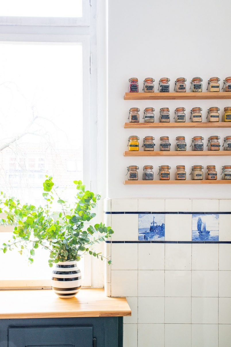 DIY Floating Spice Rack | Little House On The Corner