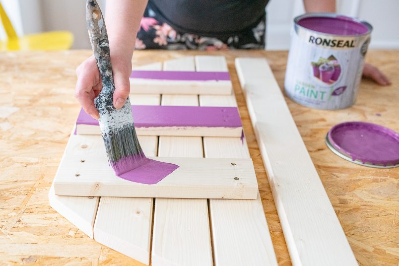 DIY Foldable Space Saving Table - Painting The Table