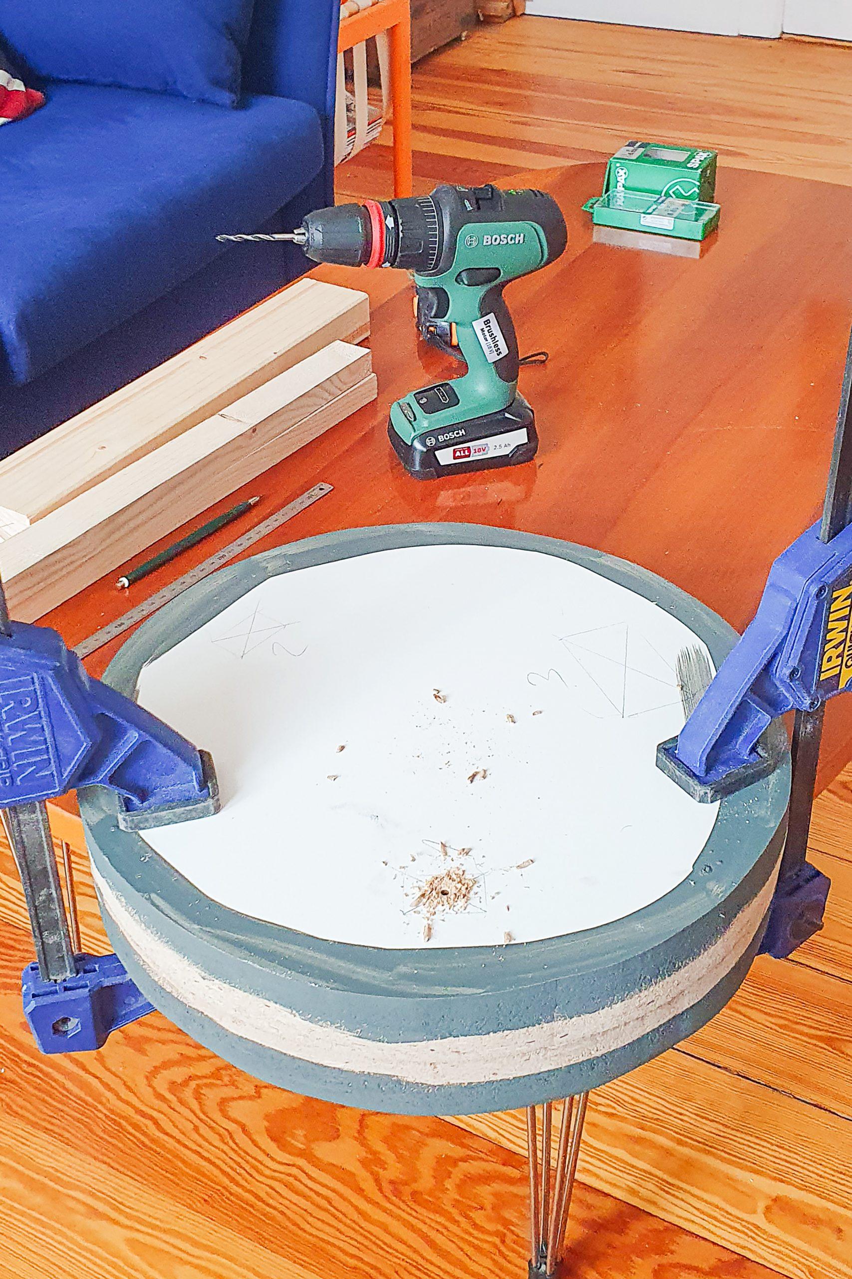 DIY Ribbed SIdetable - Attaching Circles