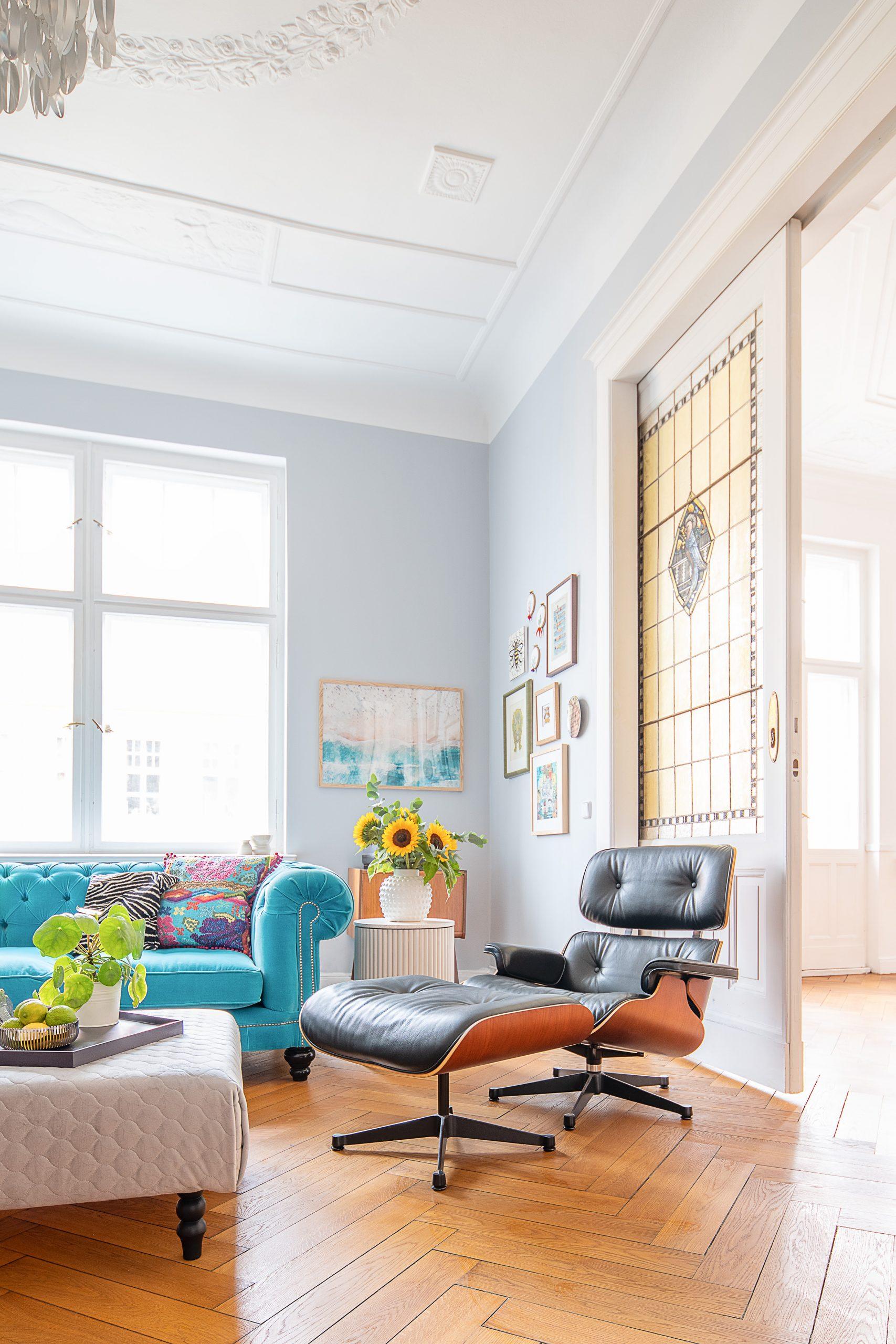 Living Room with Ribbed Side Table and Eames Lounge Chair