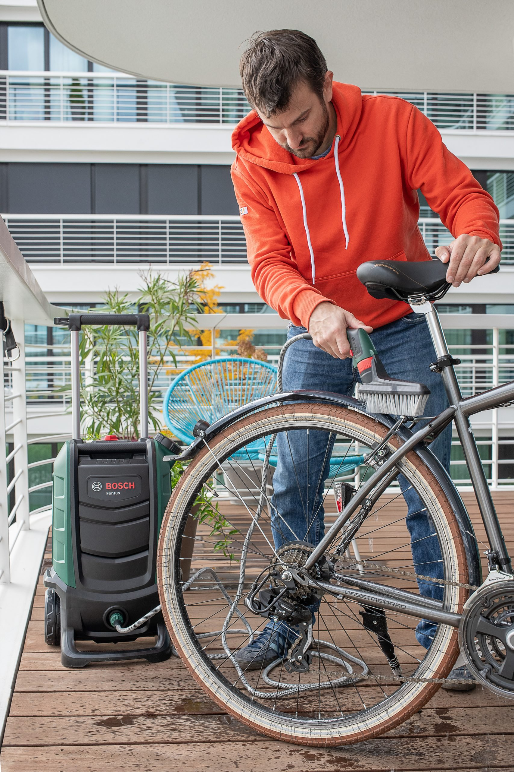Cleaning Bike With Bosch Fontus