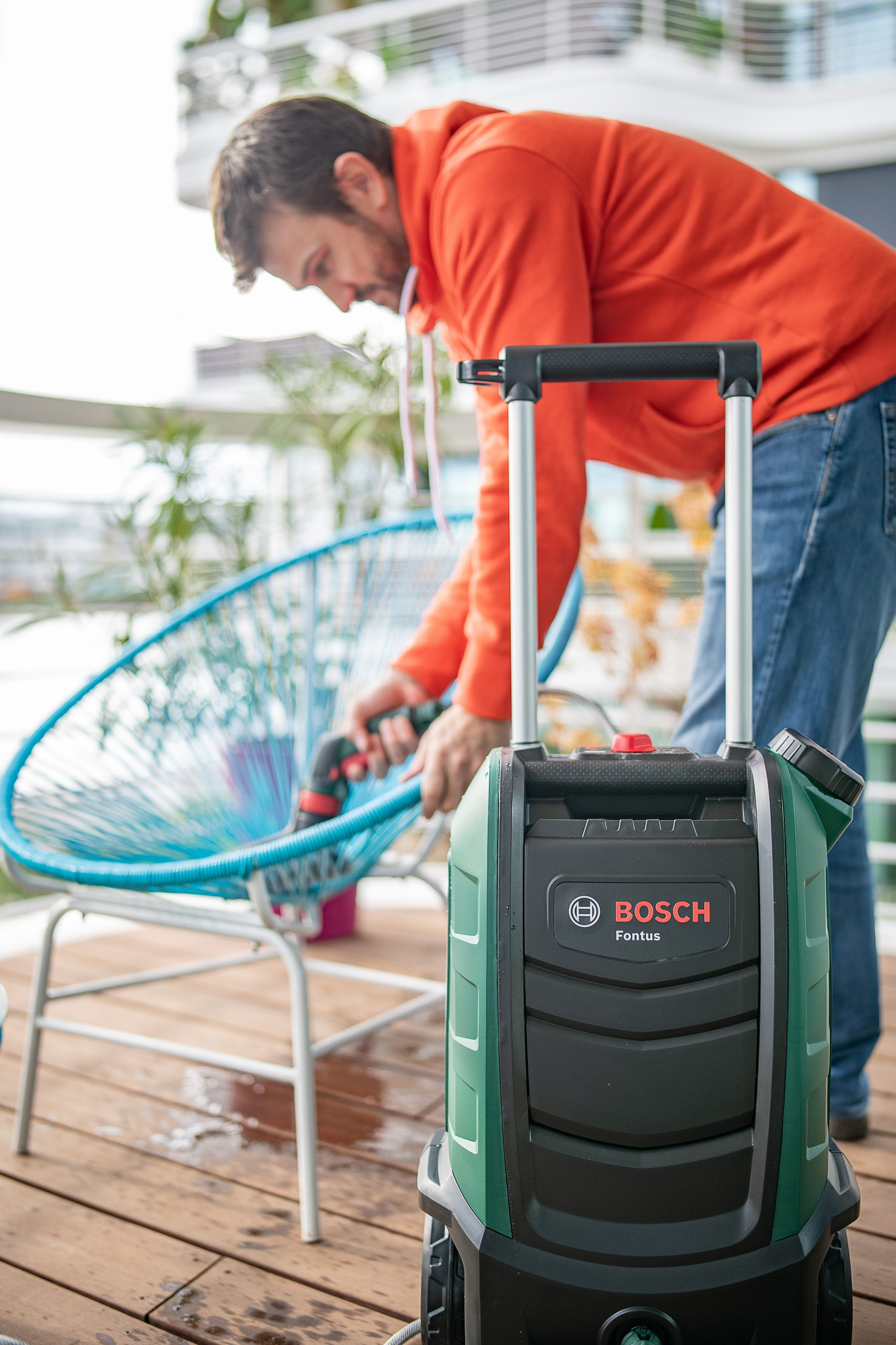 Cleaning Garden Furniture With Bosch Fontus