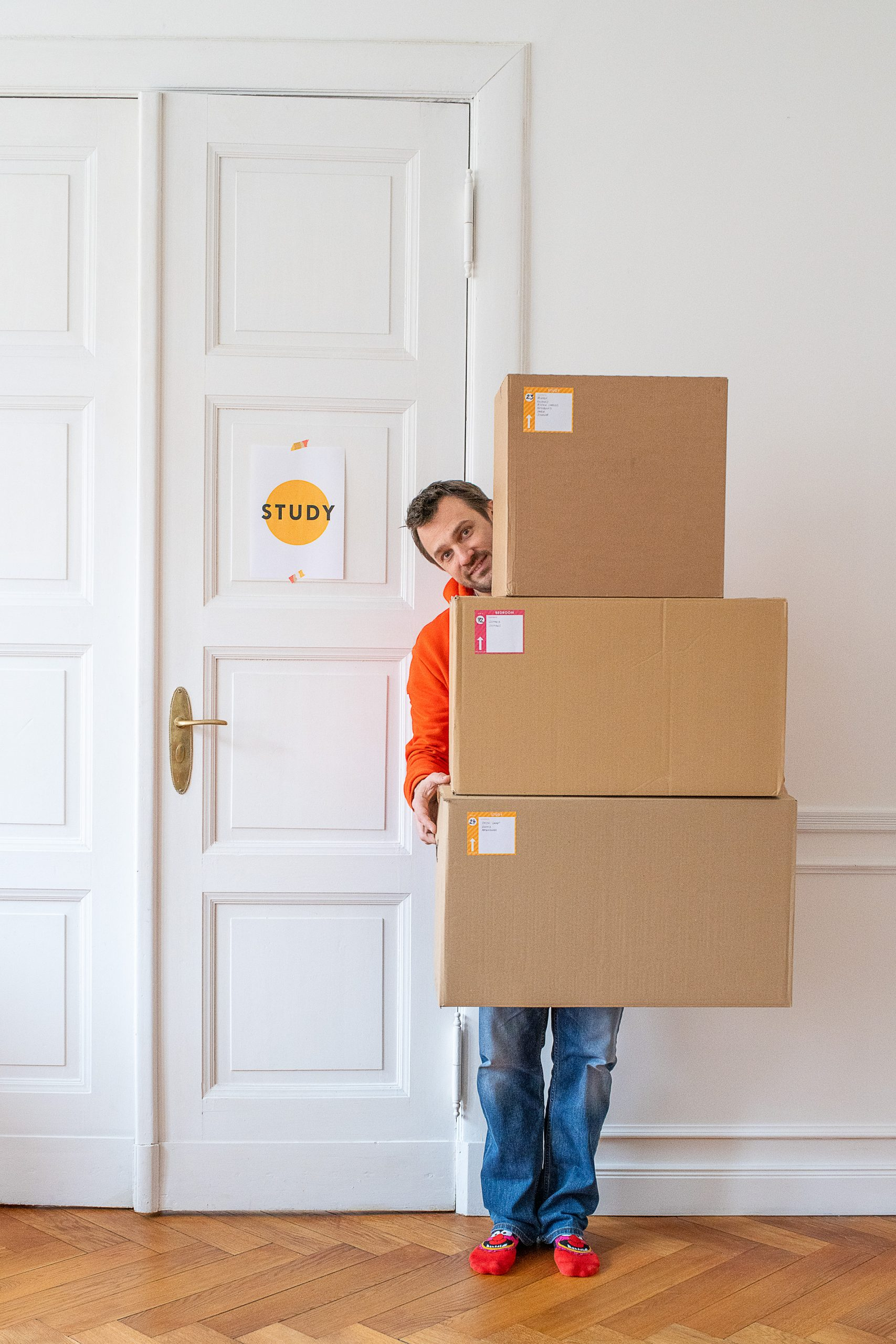 Packing Boxes with Printable Lables To Keep Organised During A House Move