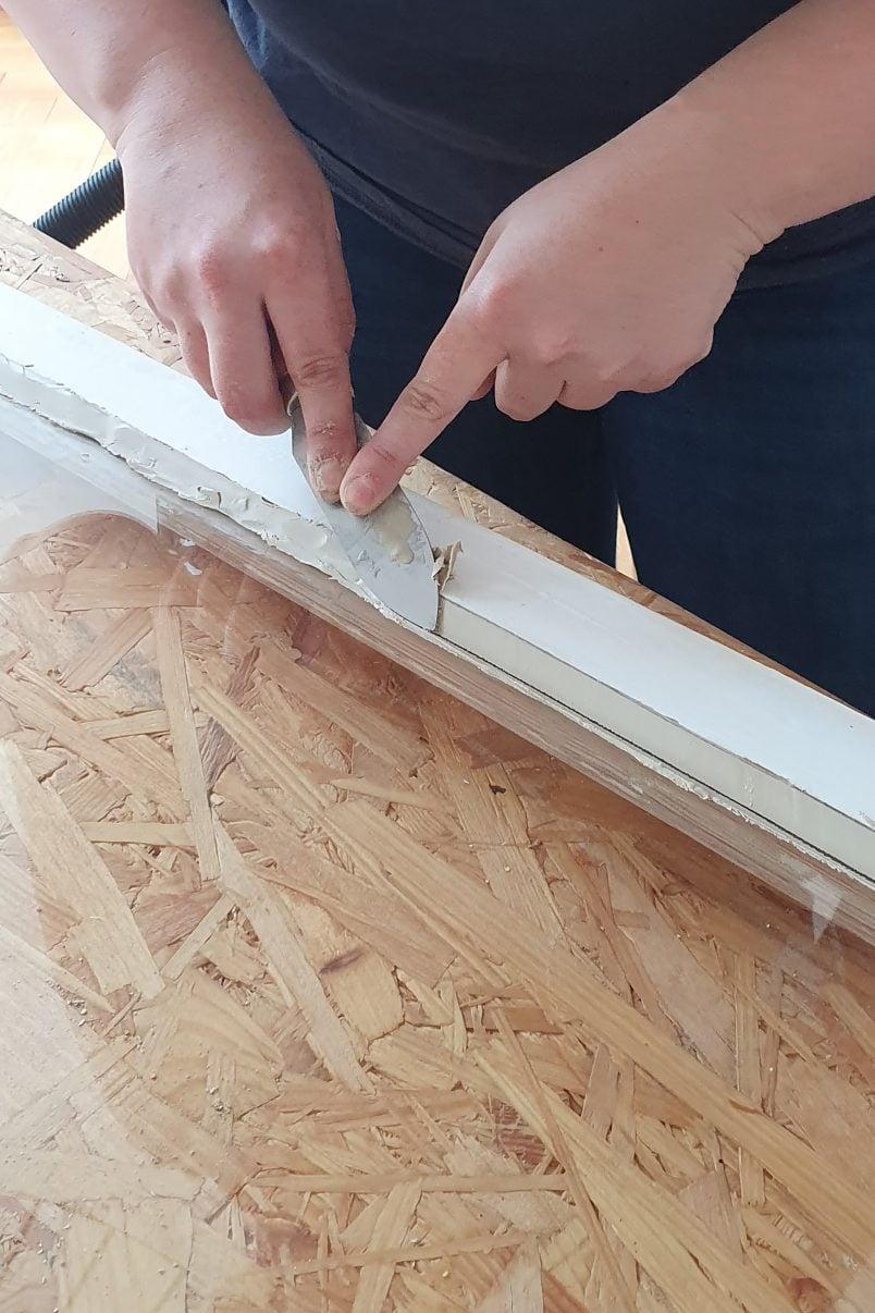 Adding putting to single glazing