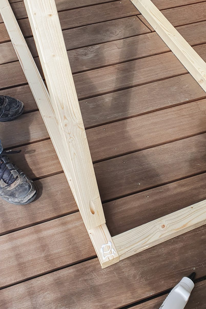 Assembling frame of outdoor cabana
