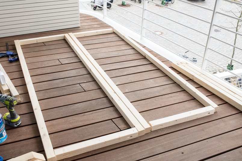 Cabana side frames