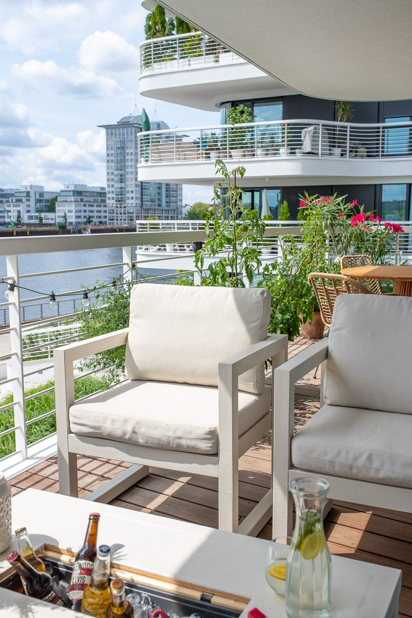 DIY Outdoor Armchairs for Your Garden