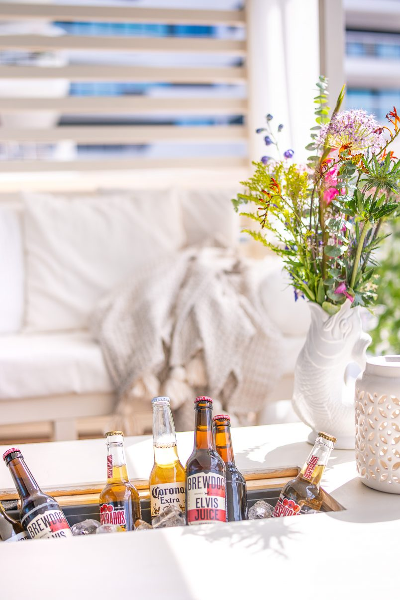 DIY Outdoor Coffee Table with Drinks Cooler