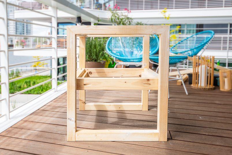 DIY Outdoor Armchair - Assembled wiht Pocket Holes