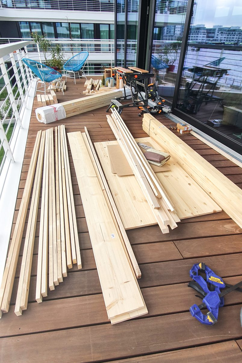 DIY Outdoor Daybed - Supplies