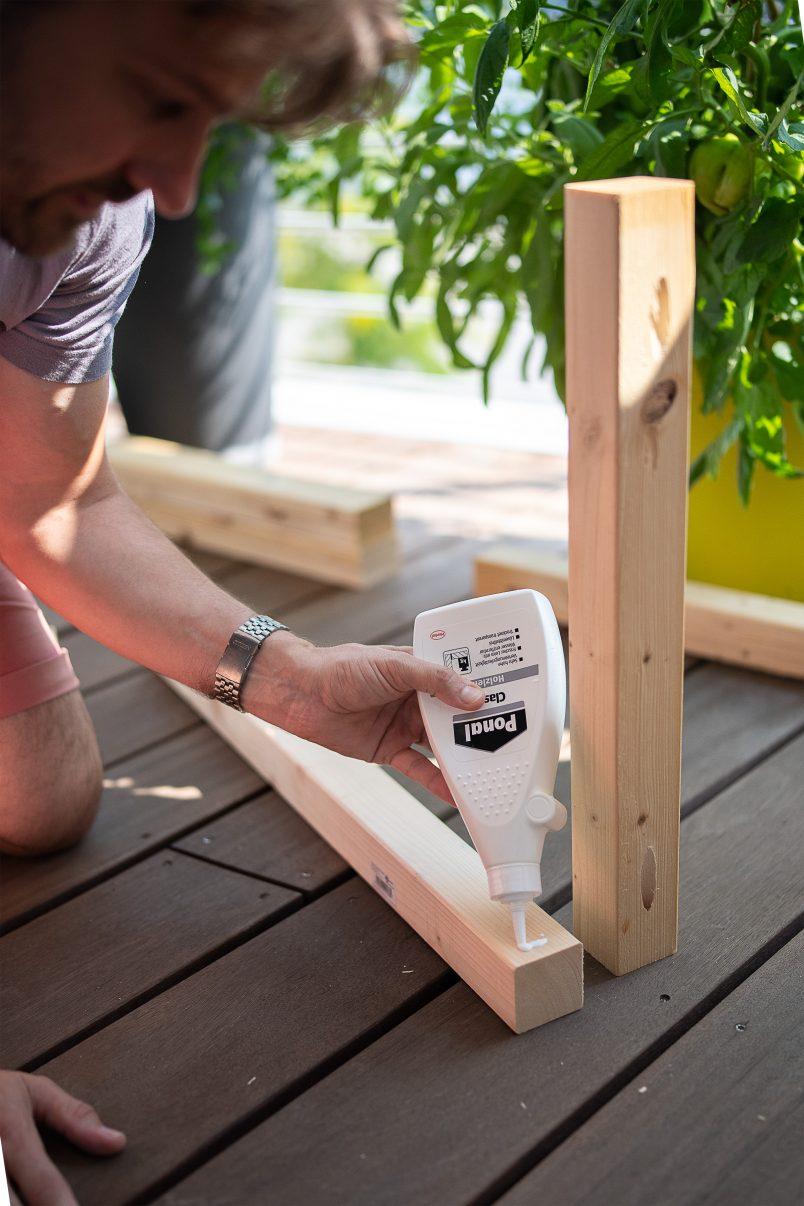 assembling outdoor garden furniture