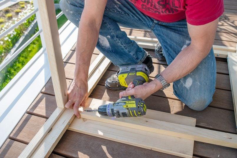 Attaching floor of outdoor storage box