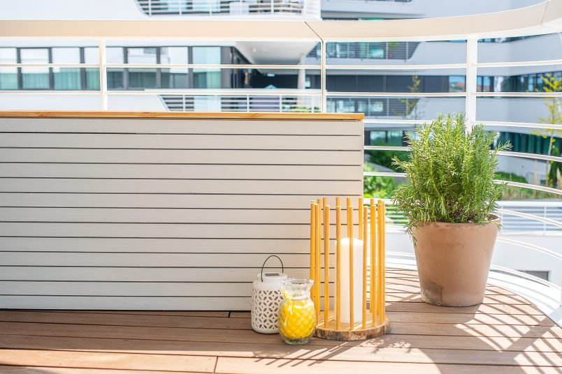 DIY Outdoor Storage Box - For all of your outdoor cushions