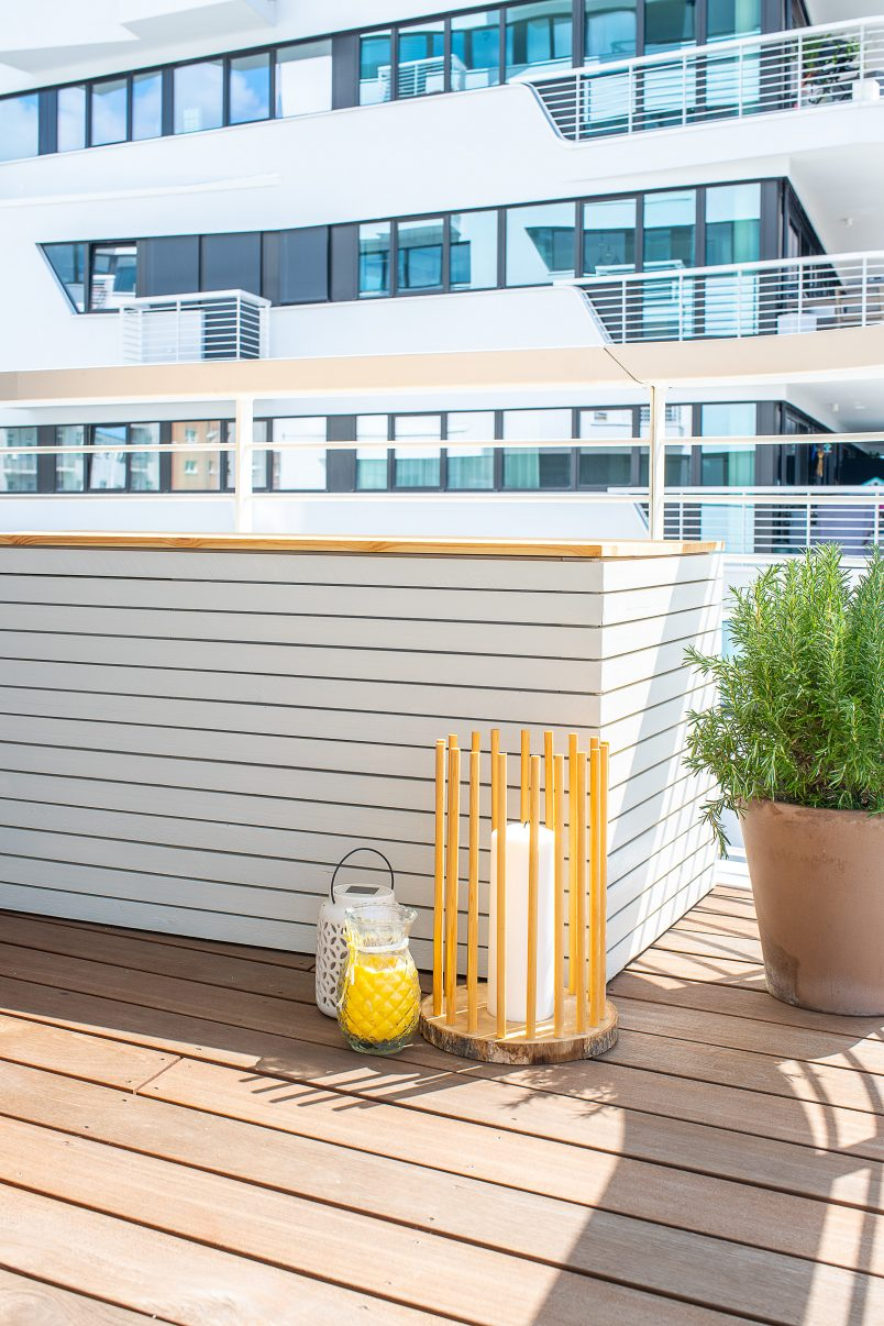 DIY Outdoor Storage Box - To Help You Keep Your Space Tidy