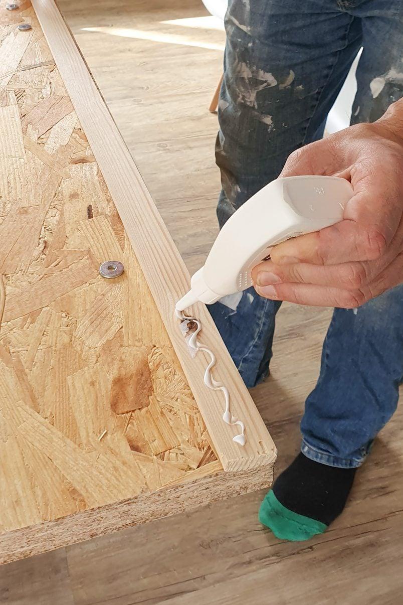 DIY Resin Table - Attach Edge