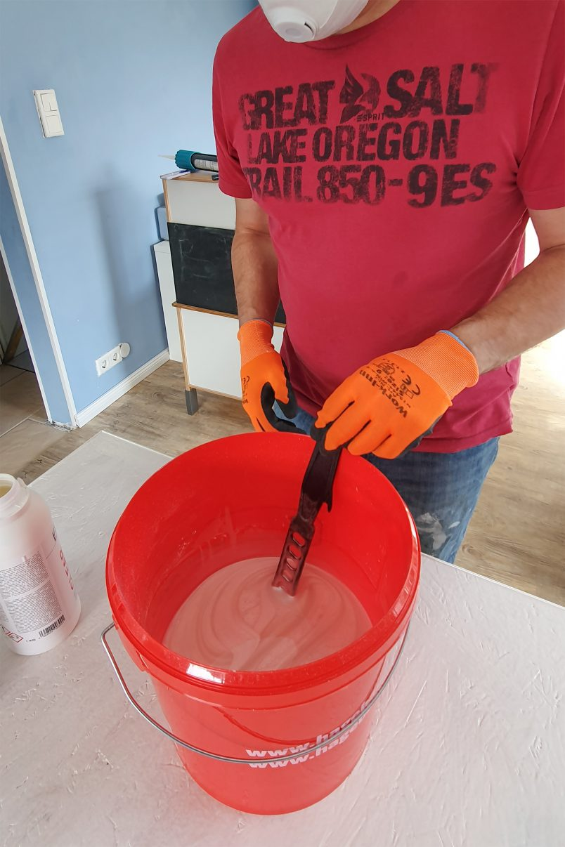 DIY Resin Table - Mixing Resin with Hardener